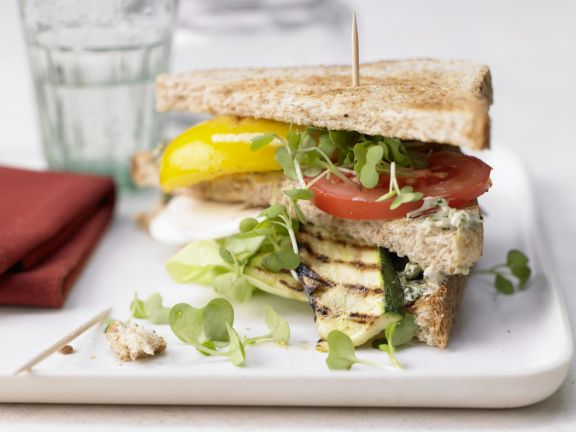 Vegetarische Club-Sandwiches